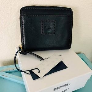 Dooney & Bourke Florentine zip up wallet NWT